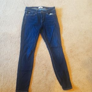 Guess size 30 skinny jeans